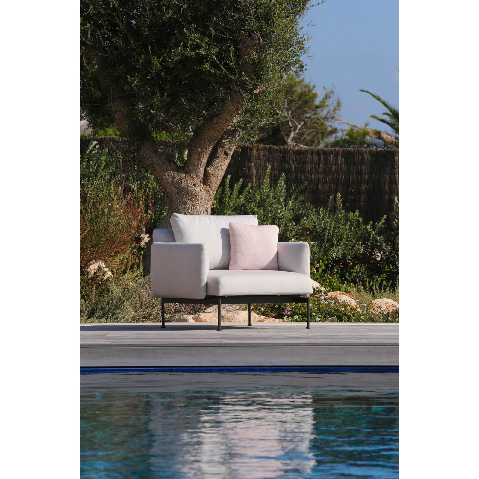 Barlow Tyrie Layout Loungesessel • Gartensessel 96 cm